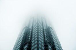 消失在云端